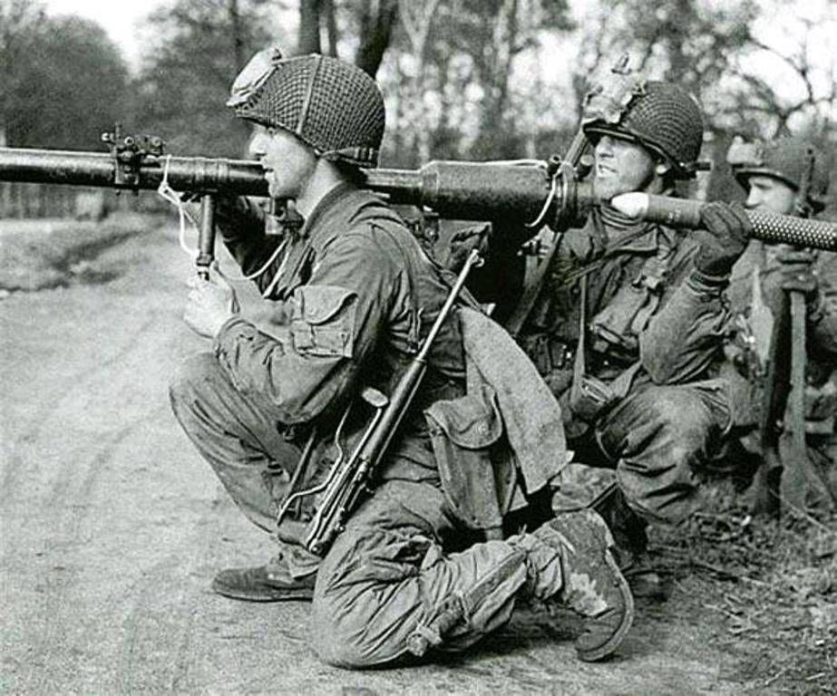 Diverses photos de la WWII - Page 39 100911