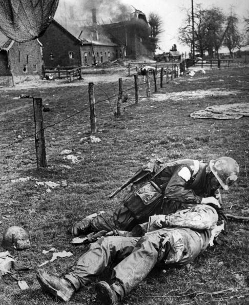 Diverses photos de la WWII - Page 39 101311
