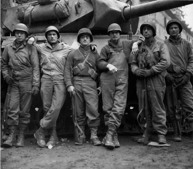 Diverses photos de la WWII - Page 38 101711