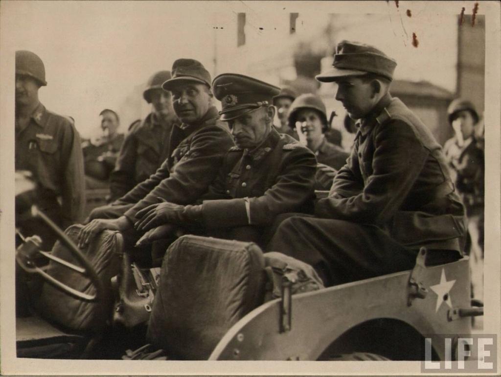 Diverses photos de la WWII - Page 2 102110