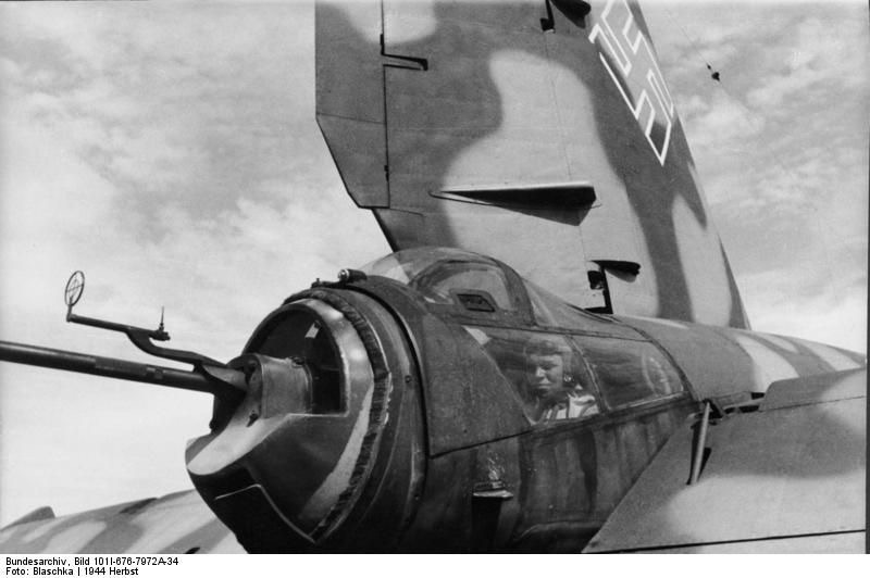 Diverses photos de la WWII - Page 39 10240