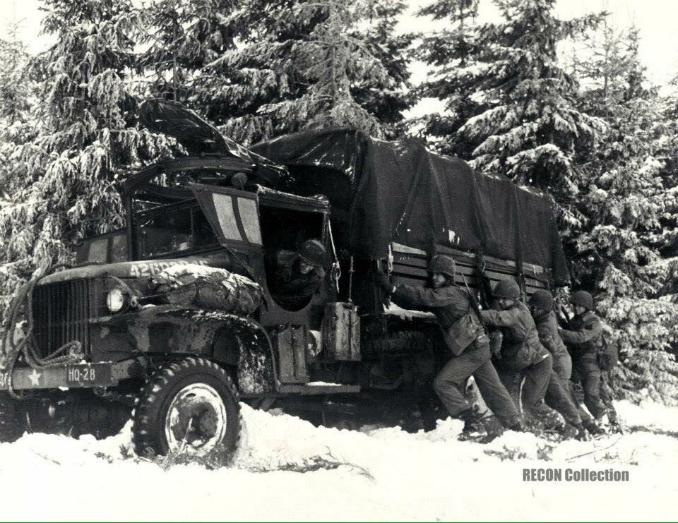 Diverses photos de la WWII - Page 38 102510