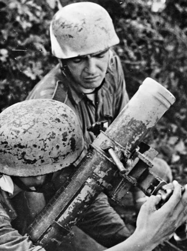 Diverses photos de la WWII - Page 38 102810