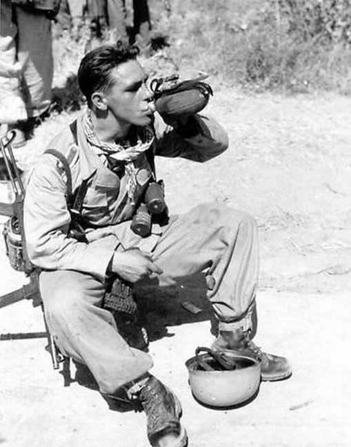 Diverses photos de la WWII - Page 38 103010