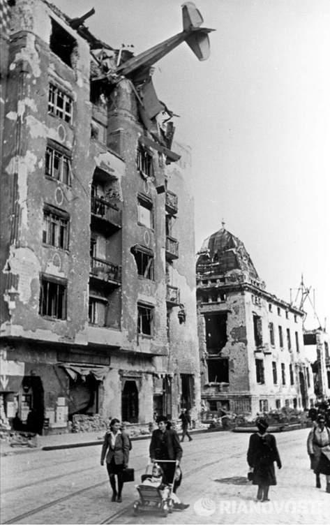 Diverses photos de la WWII (fichier 8) - Page 4 103410