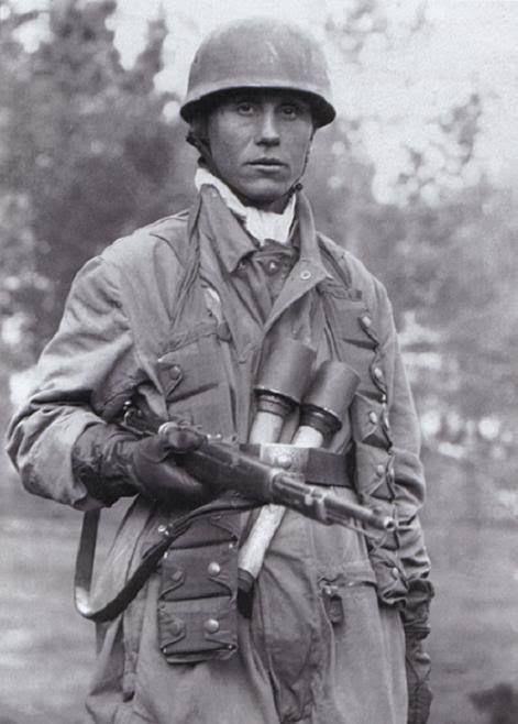Diverses photos de la WWII - Page 39 103810