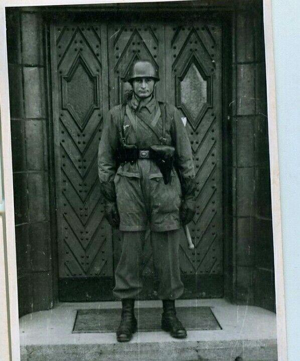 Diverses photos de la WWII - Page 39 104810