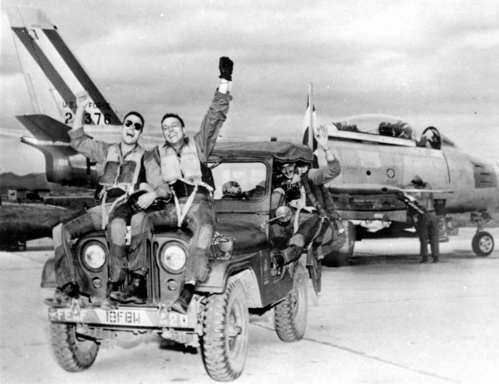 Diverses photos de la WWII - Page 40 105210