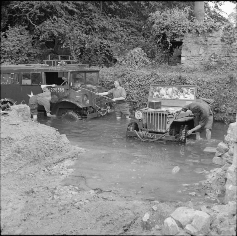 Diverses photos de la WWII - Page 4 10525
