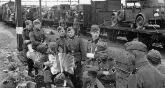 Diverses photos de la WWII - Page 9 11817