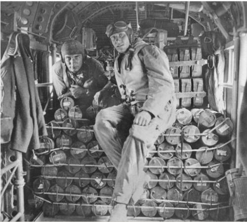 Diverses photos de la WWII - Page 40 11833
