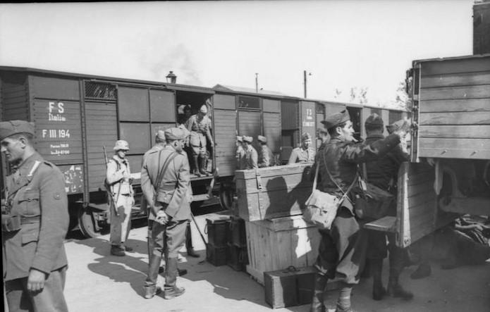 Diverses photos de la WWII - Page 9 12117