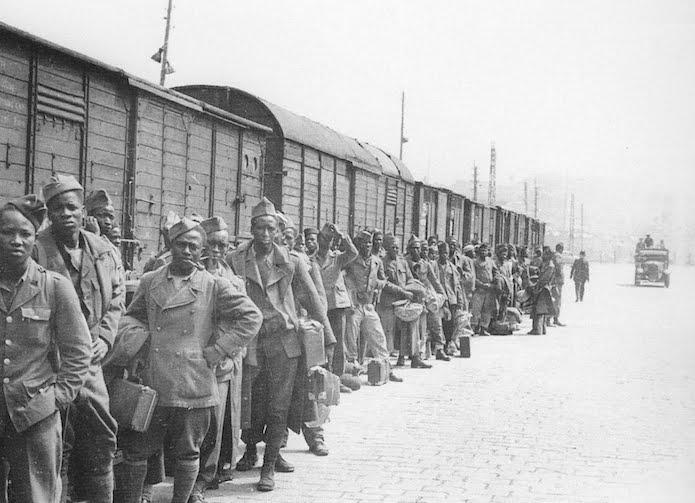 Diverses photos de la WWII - Page 9 12217