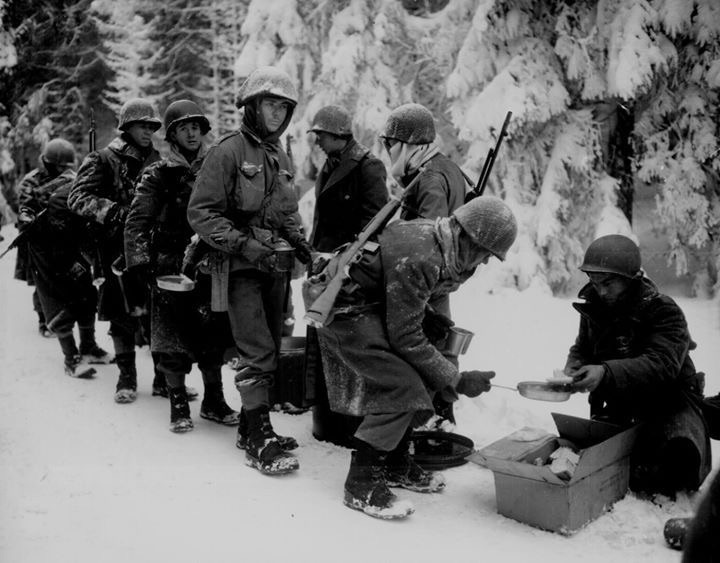 Diverses photos de la WWII - Page 40 12332