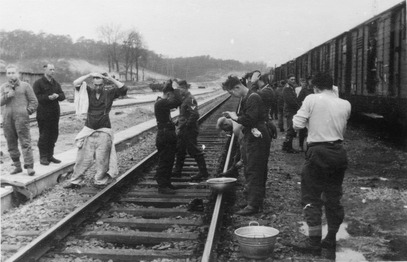 Diverses photos de la WWII - Page 9 13318