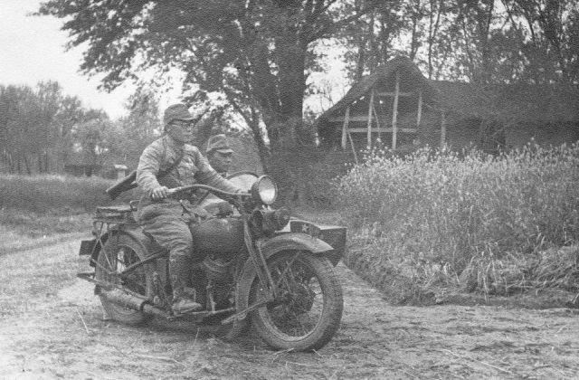 Diverses photos de la WWII - Page 4 14223