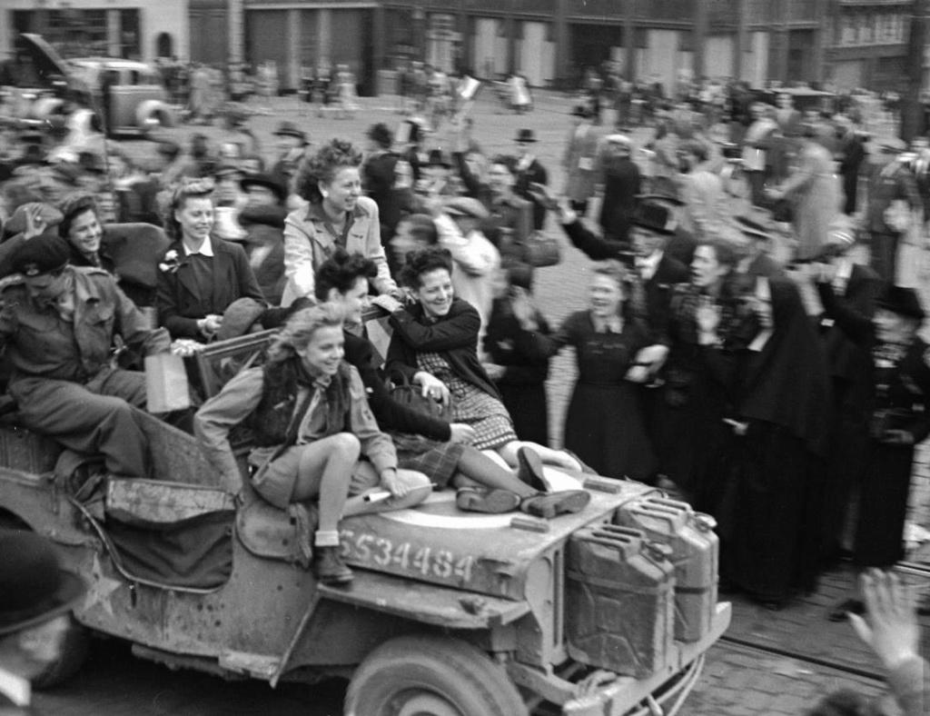 Diverses photos de la WWII - Page 2 14318