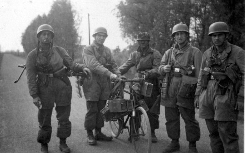 Diverses photos de la WWII - Page 4 14422