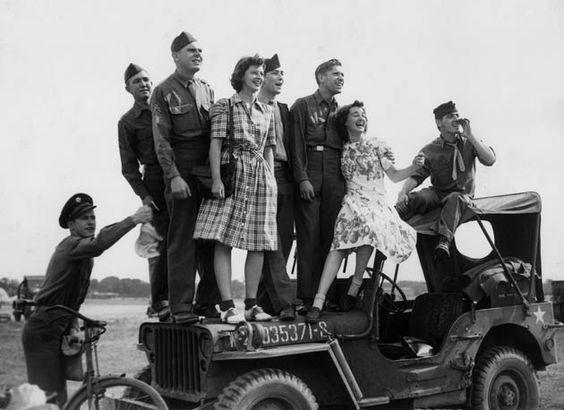 Diverses photos de la WWII - Page 2 14817