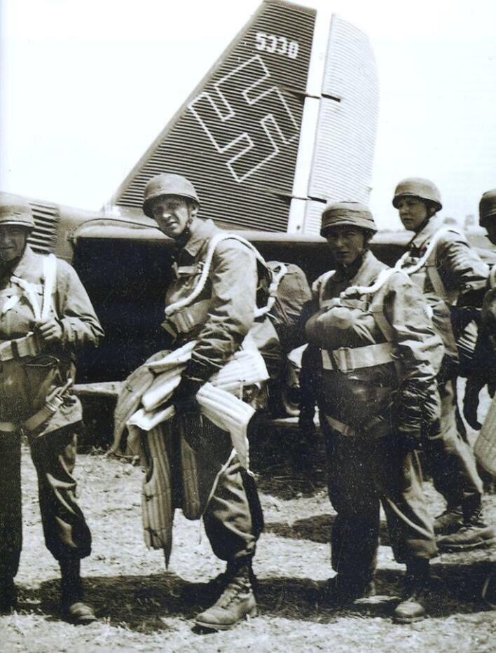 Diverses photos de la WWII - Page 4 14922