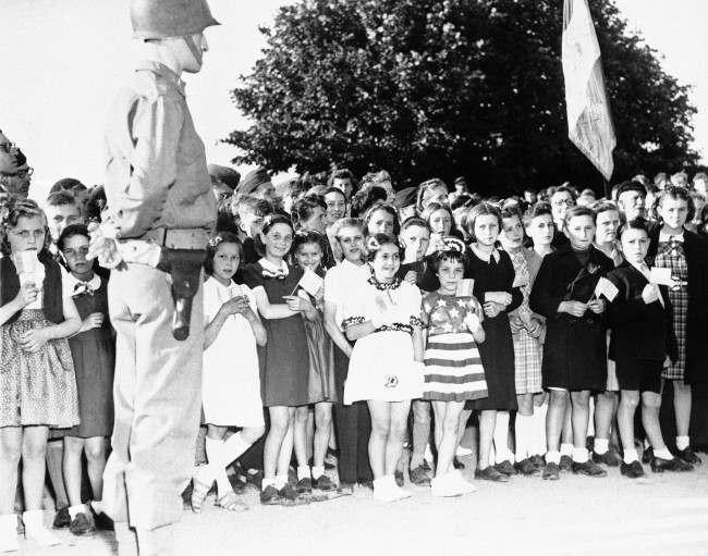 Diverses photos de la WWII - Page 6 15421