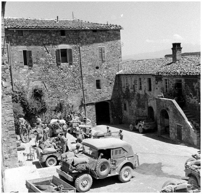 Diverses photos de la WWII - Page 2 15719