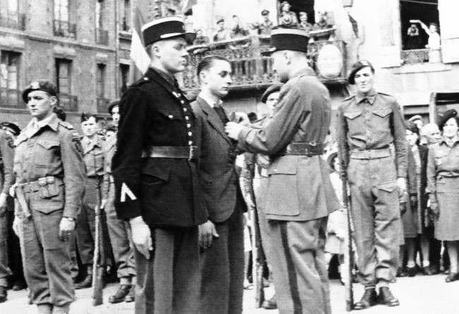 Diverses photos de la WWII - Page 6 15721