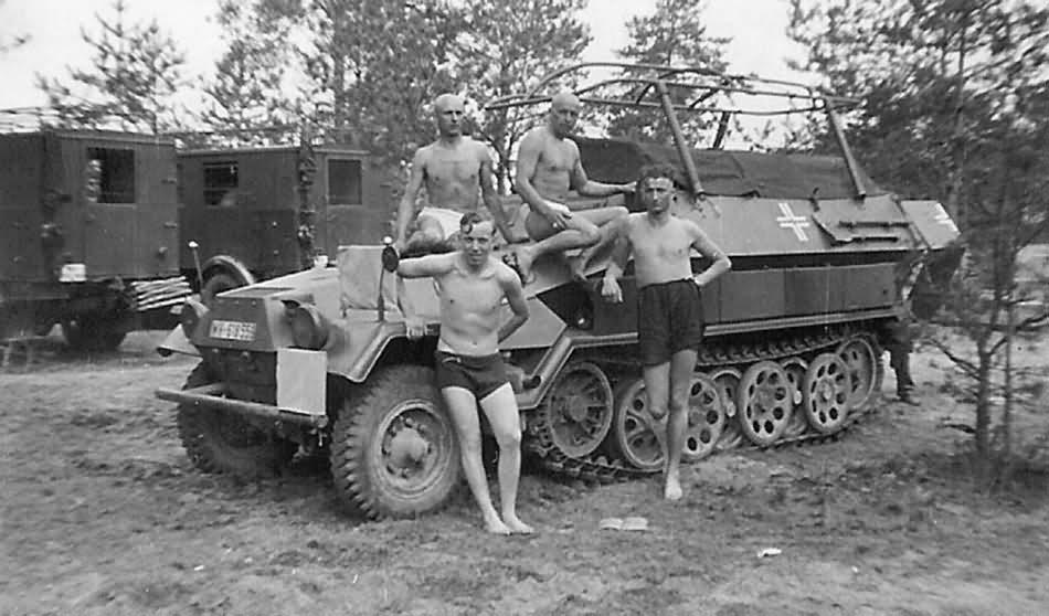 Diverses photos de la WWII - Page 26 15917