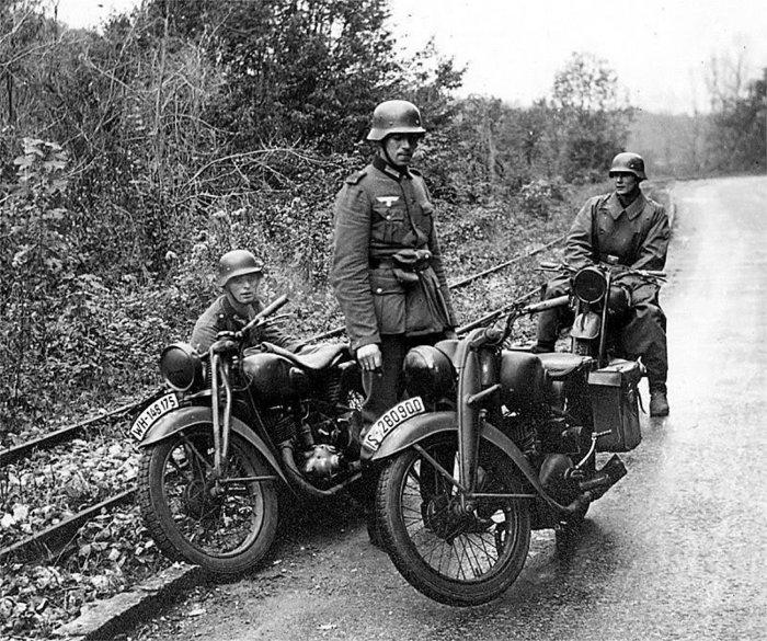 Diverses photos de la WWII - Page 3 16417