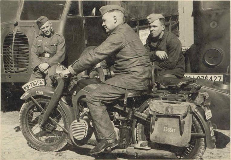 Diverses photos de la WWII - Page 4 17019