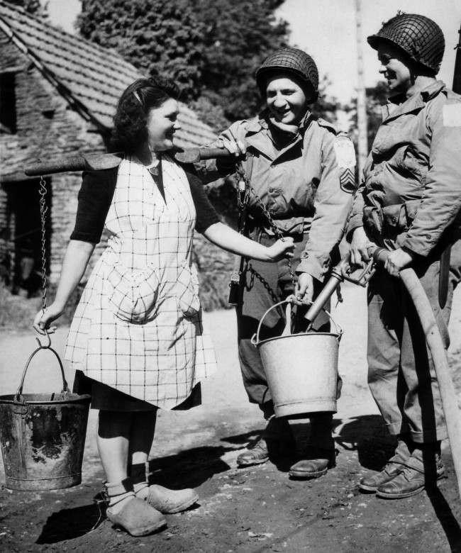 Diverses photos de la WWII - Page 6 17218