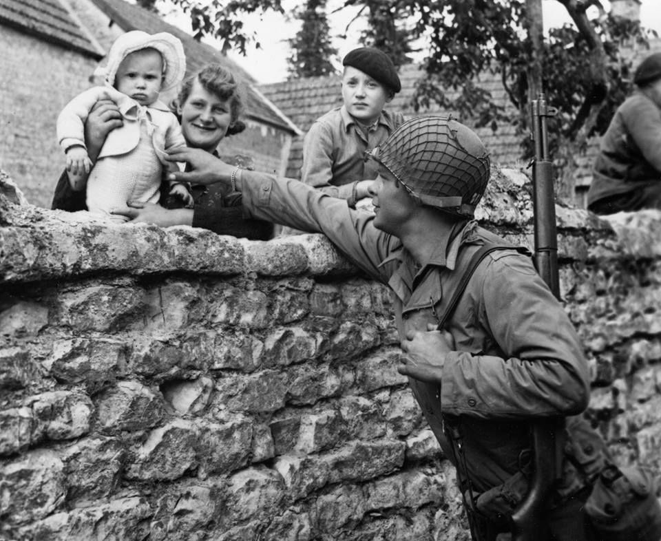 Diverses photos de la WWII - Page 4 17620