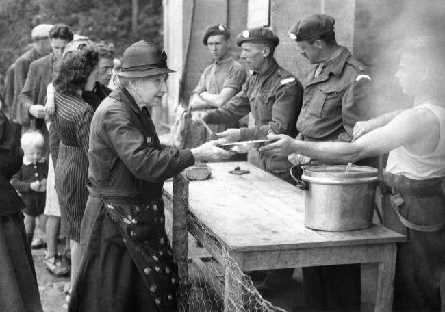 Diverses photos de la WWII - Page 6 17718