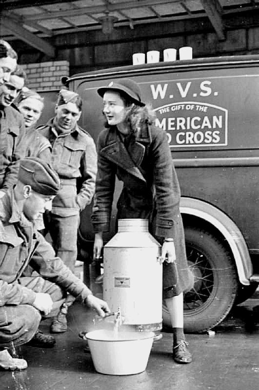 Diverses photos de la WWII - Page 4 17821