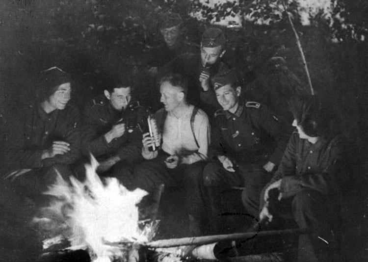 Diverses photos de la WWII - Page 3 18015