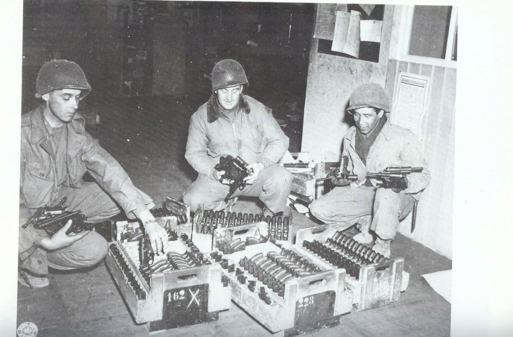 Diverses photos de la WWII - Page 4 18020