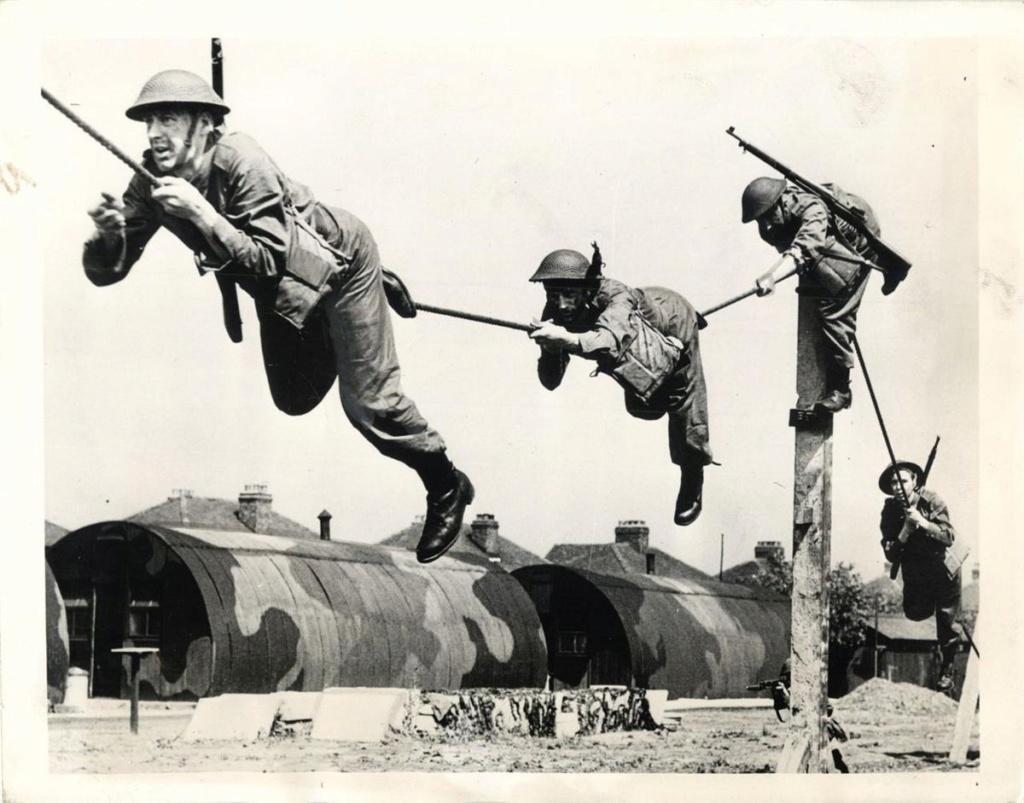 Diverses photos de la WWII - Page 4 18617