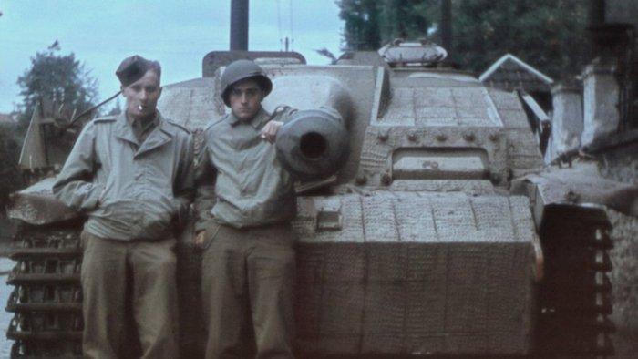 Diverses photos de la WWII - Page 4 19012