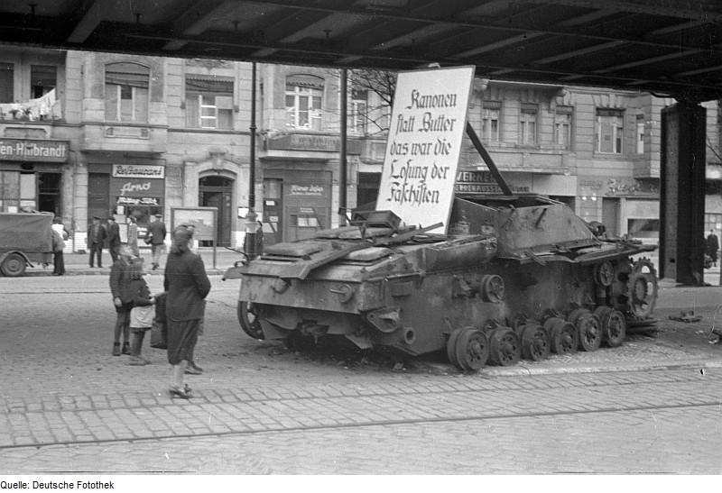 Diverses photos de la WWII - Page 4 19712