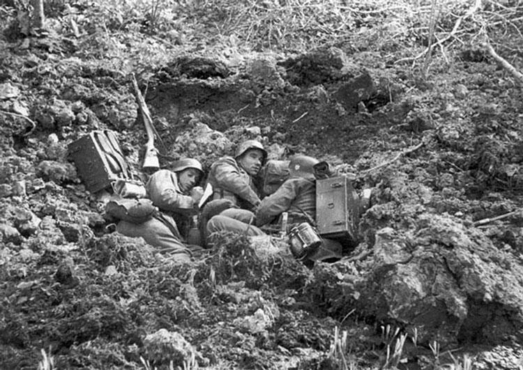Diverses photos de la WWII - Page 3 19715