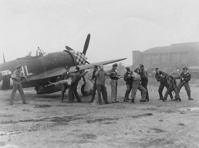 Diverses photos de la WWII (fichier 7) - Page 3 19726