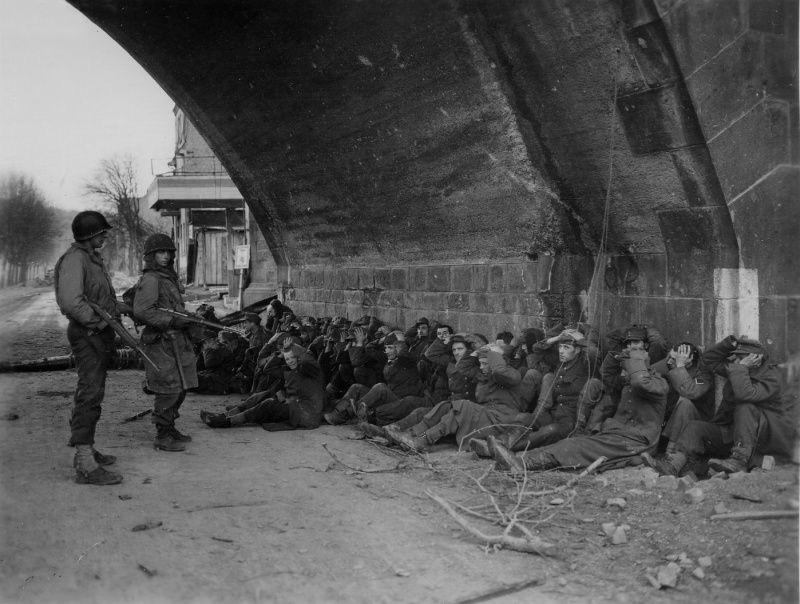 Diverses photos de la WWII (fichier 7) - Page 3 19927