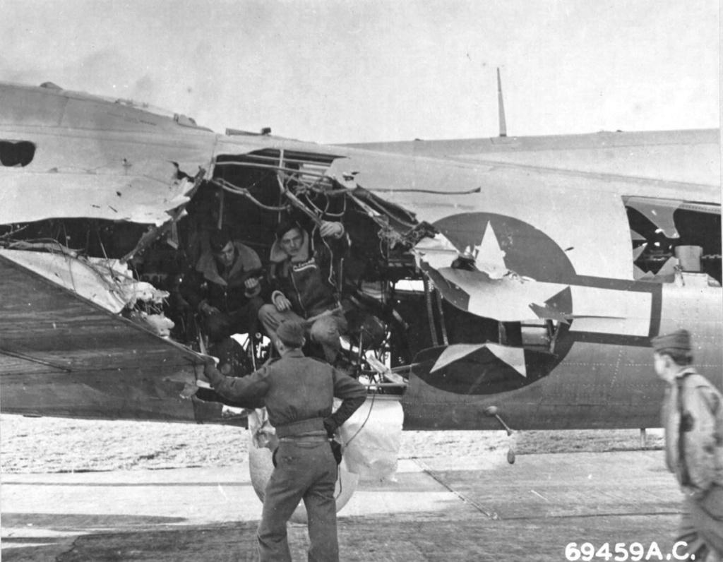 Diverses photos de la WWII - Page 40 20022