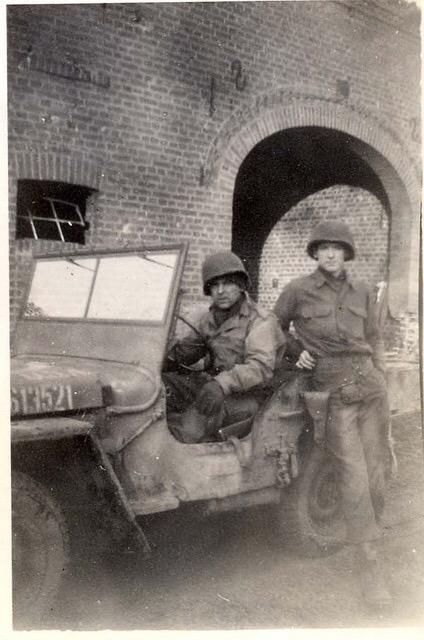 Diverses photos de la WWII - Page 5 20420