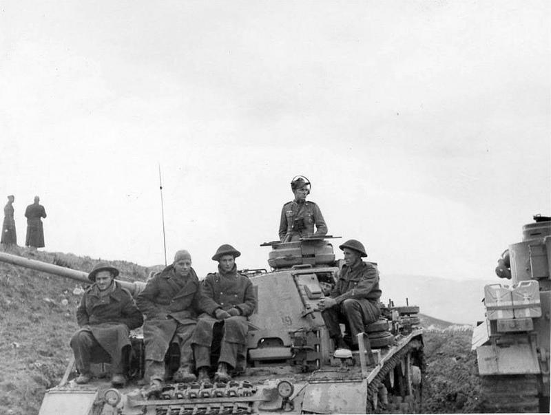 Diverses photos de la WWII - Page 4 20912