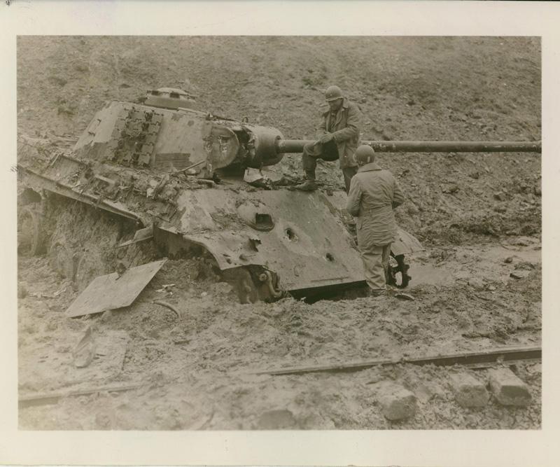 Diverses photos de la WWII - Page 4 21014