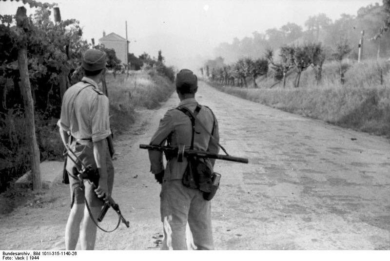 Diverses photos de la WWII (fichier 7) - Page 3 21032