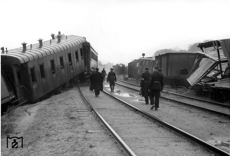 Diverses photos de la WWII - Page 6 2132