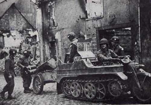 Diverses photos de la WWII - Page 4 21413