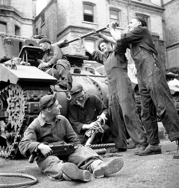 Diverses photos de la WWII (fichier 7) - Page 3 21824